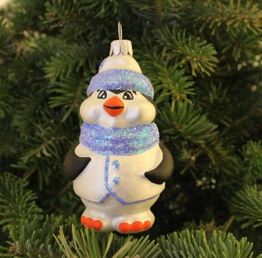 penguin_christmas_ornament_on_tree