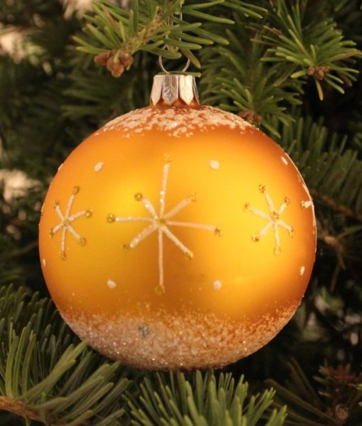 wizard_gold_glass_christmas_ball_on_tree2