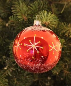wizard_red_christmas_ball_on_christmas_tree2
